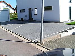 Parkplätze und Gehwege_4