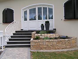 Treppen und Mauerabdeckung